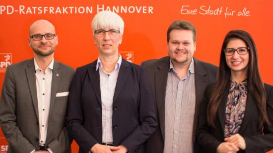 von links nach rechts: Dr. Jens Menge, Christine Kastning, Lars Kelich und Afra Gamoori