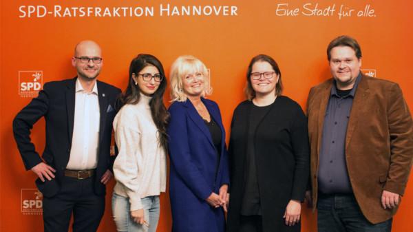 v.l.n.r.: Dr. Jens Menge, Afra Gamoori, Kerstin Klebe-Politze (alle stellvertretende Fraktionsvorsitzende), Dr. Maxi Carl (neue Beisitzerin im Fraktionsvorstand) und Lars Kelich (Fraktionsvorsitzender)